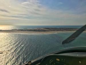Kurz vor Landung auf dem Flugplatz Helgoland, auf der Nebeninsel Düne
